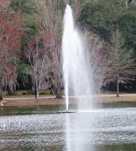 lake-ella-fountain-0115